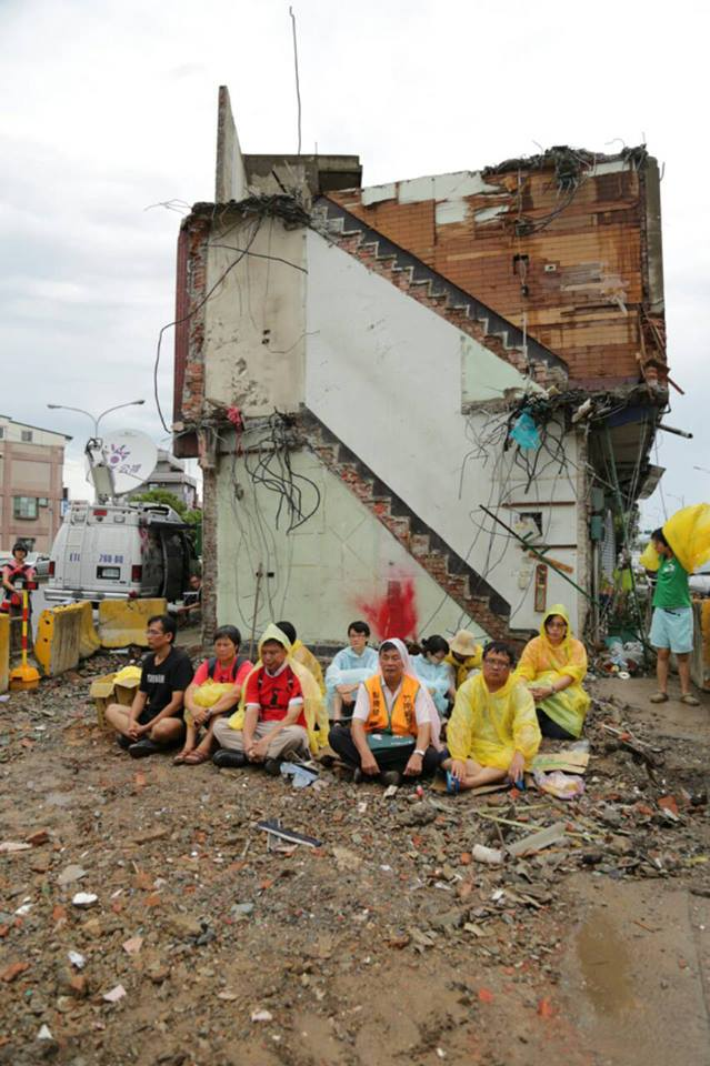 Sit-in protest after the house was torn down. Photo taken by Taiwan Rural Front.