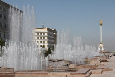 Water fountains in front of the National Library of Tajikistan. Image by Alexander Sodiqov, June 2013.