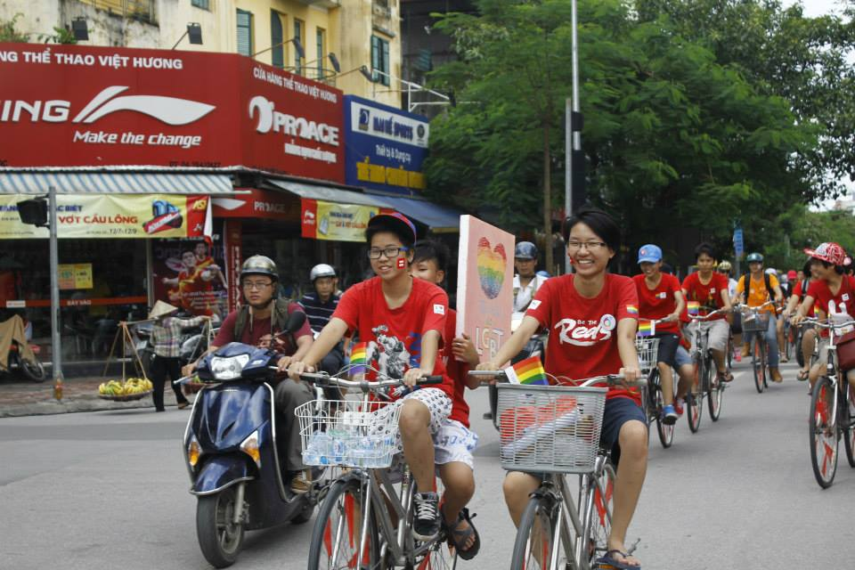 Pride March bicycle rally. Photo from Facebook of Tinh Yeu Trai Viet