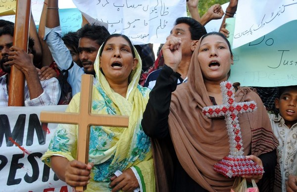 Christian community protest in Hyderabad following a bomb blast in Peshawar. More than 60 people have been killed in a double suicide bomb attack on a church in northwest Pakistan, officials say
