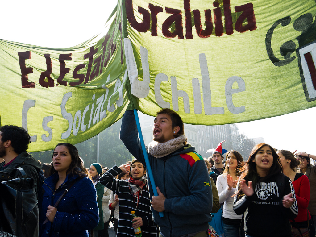 Chilean students protesting, 2011. Photo by Francisco Osorio on Flickr (CC BY 2.0)