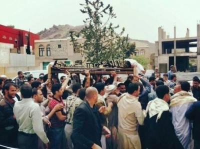 Ibrahim Mothana's funeral, held Friday September 6, 2013 in Sanaa. Photo via twitter by Fahmi Albaheth
