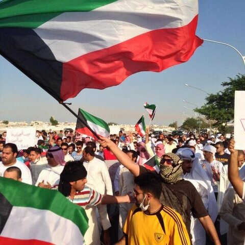 """@althuwaini: #stateless #bedoon R marching from their city (for Bedoons only) Taima toward Naseem (city for Kuwaitis)"""