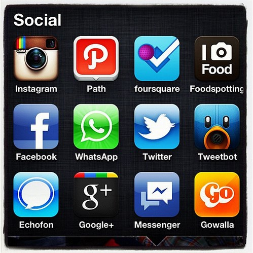 Mobile Social Applications. Image from Flickr by Nurudin Jauhar