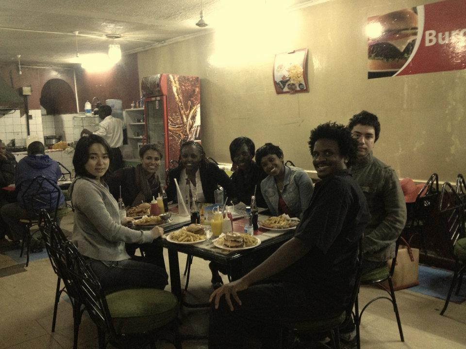 Matt Hunte (2nd from right) and some Global Voices friends eating out in Nairobi in July 2012.