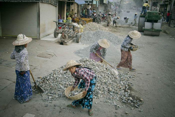 Women workers in Meiktila, 2012