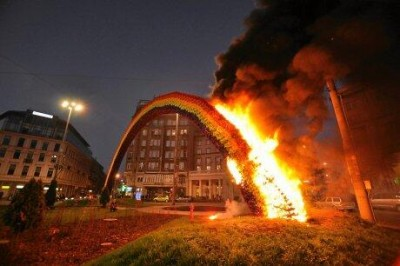 Rainbow - an artistic instalation by Julita Wójcik, built in the centre of Warsaw as a symbol of tolerance, was burnt. Picture Posted by @PolandTalks