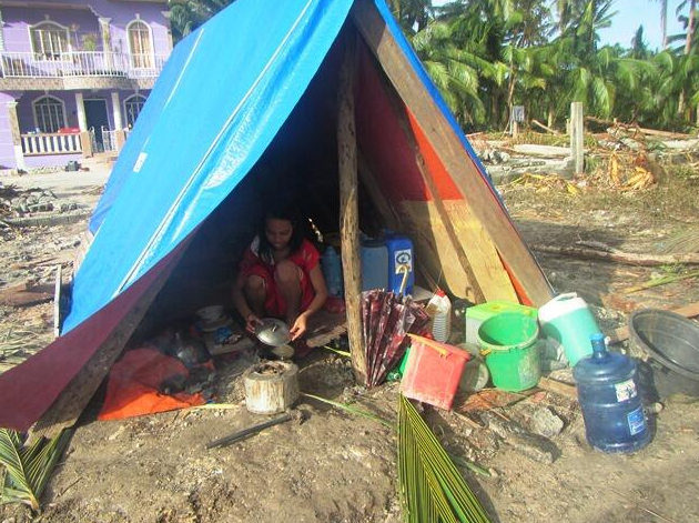 Resident of eastern Samar have set up temporary shelters after the storm. Image from Plan Philippines