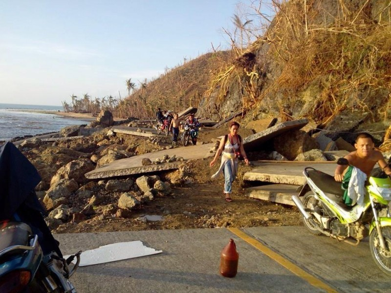 Many roads were damaged by typhoon Haiyan. Photo by Autonomo Sr Abellar Amano, Facebook