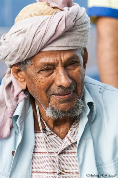 A fisherman who showed off his linguistic skills in selling fish as well as counting in Spanish, English Italian and Arabic. He's traveled through out the Red Sea and the Mediterranean Sea and has met many people. From the Humans of Jeddah page