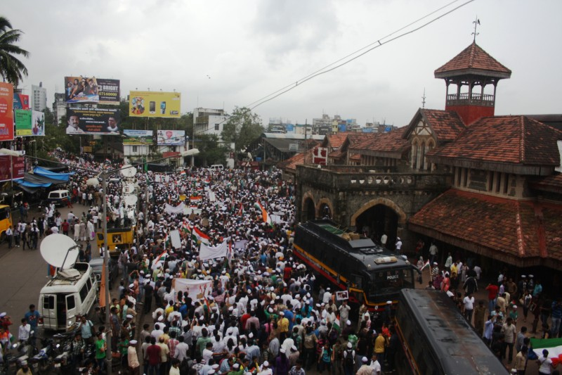 Protesters demanding the Janlokpal Bill in Bandra, Mumbai, India. Copyright Chirag Sutar (24/05/2012)