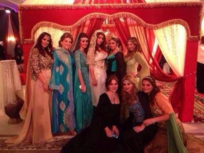 عائلات سورية تستضيف حفل تنكري باهظ أثناء الحرب · Global Voices الأصوات العالمية