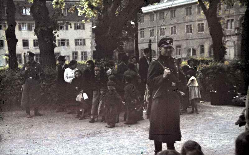 Sinti and Roma people about to be deported by the Nazis, taken in the German town of Asperg, May 22, 1940; photograph courtesy of German Federal Archives, used under Creative Commons 3.0 license.