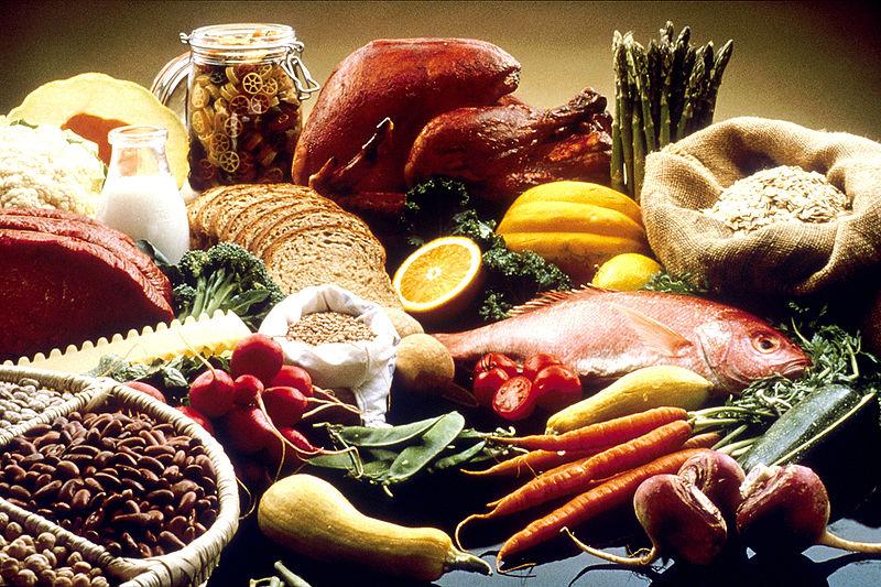 Prikaz raznolike hrane. Besplatne slike Nacionalnog Instituta Zdravlja (SAD).