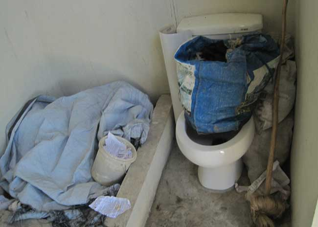 The unused toilet of one resident, who said the septic system  is not deep enough. Photo: HGW/Marc Schindler Saint-Val