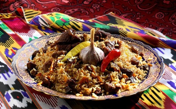 Tajik plov. Image from vk.com/taomtj, used with permission.