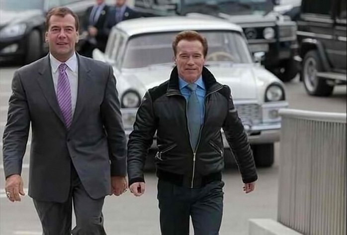 Arnold Schwarzenegger and Dmitry Medvedev with swapped heads. Anonymous image found online.