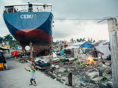 フィリピン:台風30号が去って6ヶ月が経過 台風被災者はいまなお援助と公正な対応を求めている · Global Voices 日本語