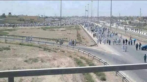 Thousands of Iraqis flee their homes as Mosul falls under ISIS control today. Photo source: Twitter user @mohsinani