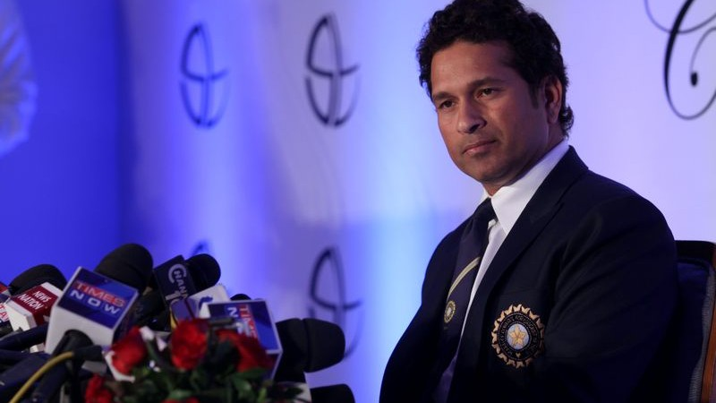 Indian cricketer Sachin Tendulkar at a press conference in Mumbai. Image by Ravindra Hande. Copyright Demotix (17/11/2013)