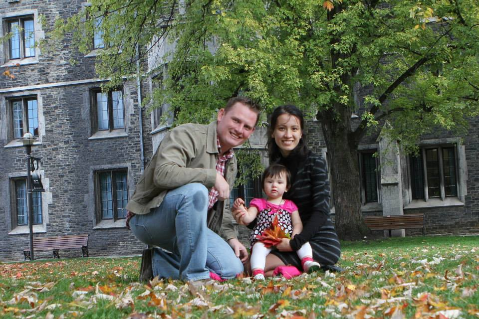 Alex Sodiqov with his wife and daughter. Shared via www.freesodiqov.org