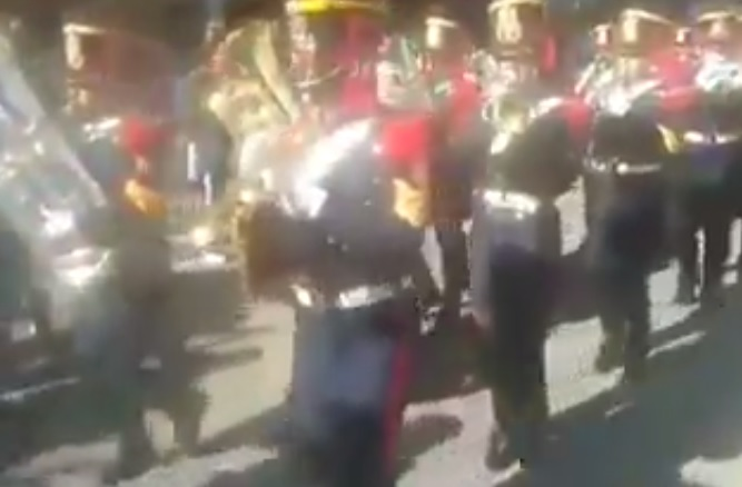 "A screenshot of the Alto Peru Mounted Fanfare Band playing ""Brasil, decime qué se siente"" in Tucumán on Argentina's Independence Day."