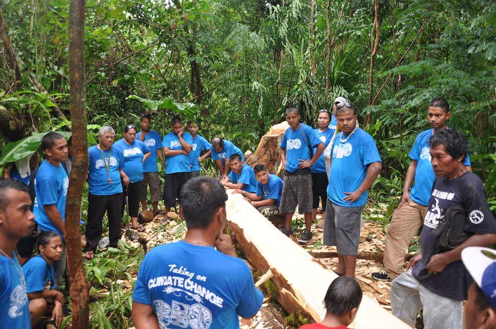 Canoe building in Pohnpei, the Federated States of Micronesia, where the warriors are learning the canoe building process from local elders. Photo credit: