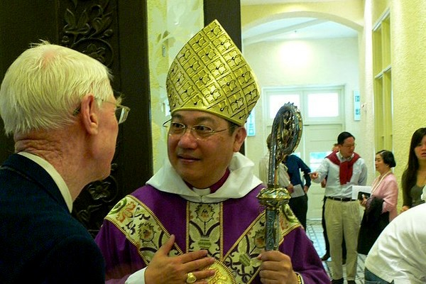Archbishop Paul Kwong said Hong Kongers should learn from Jesus and suffer in silence.  Image from Wikipedia CC: BY