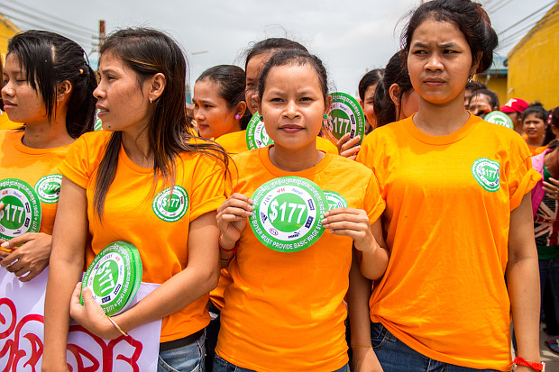 Cambodian workers demand a monthly minimum wage of $177
