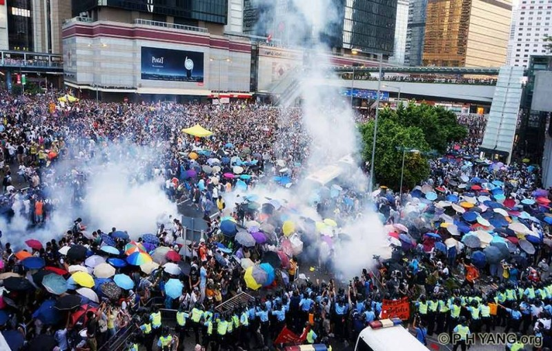 Protesters used umbrellas to shield tear gas. Photo from Facebook group: Hong Kong Demo Now,