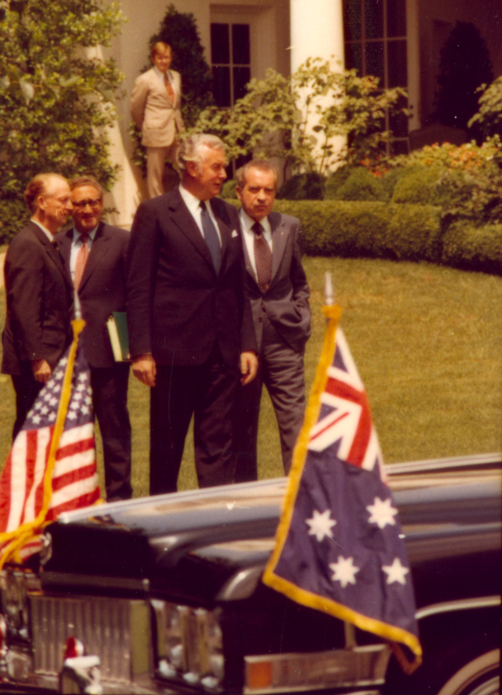Whitlam walks with President Nixon