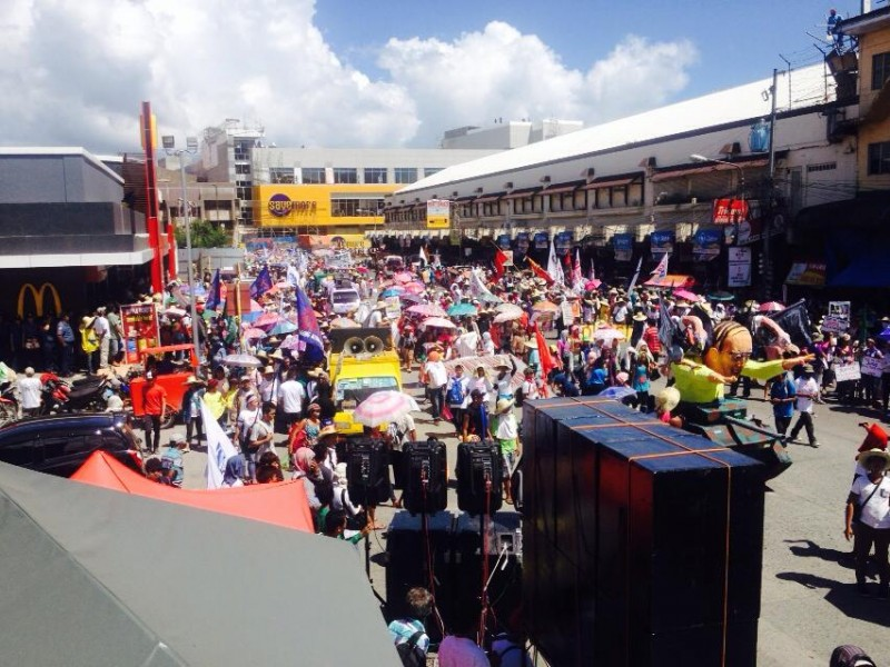 A snapshot of the protest of Haiyan survivors and supporters in Tacloban City. Photo Credts: Kathy Yamzon.