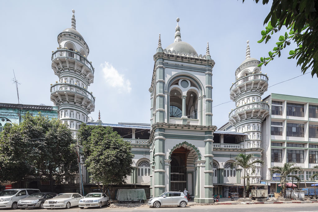 Surti Sunni Jamah Mosque on Shwebontha Street.  Photo by Manuel Oka for Yangon Architectural Guide (DOM Publishers, 2015)