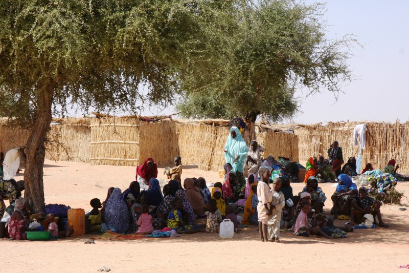 Nigerian refugees in Gagamari camp, Diffa region, Niger. They crossed the border to flee Boko Haram insurgents who attacked their town, Damassak, on 24 November 2014. Photo from Flickr user European Commission  DG ECHO. CC BY-ND 2.0