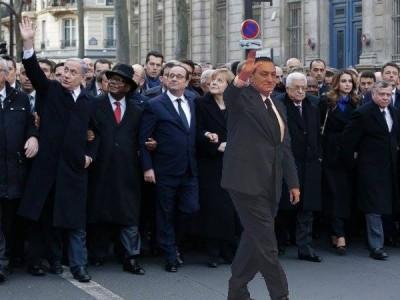 Sherif Azer shared on Facebook. Mubarak says Hello.
