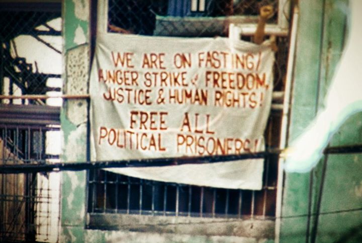 Some political prisoners were able to hang a banner outside their cell. They urged the pope to look into the worsening human rights situation in the country. Photo from Facebook page of Kathy Yamzon.