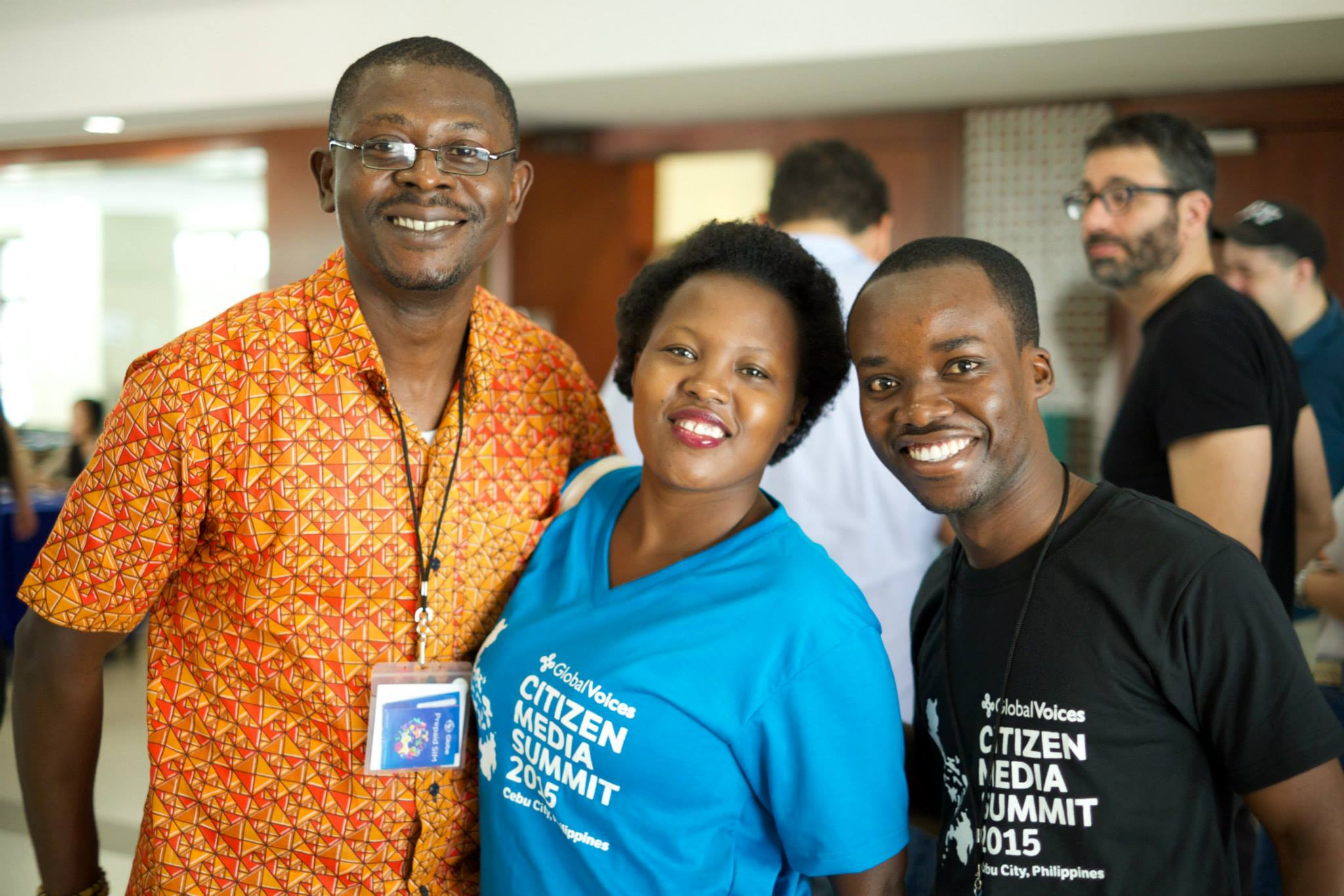 Nwach with members of GV's Africa team Prudence and Kofi. Photo by Jeremy Clarke. CC-BY-SA