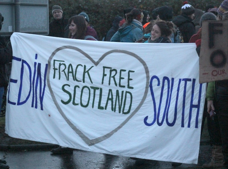 "No Fracking Falkirk: Peaceful Protest ""The People's Voice"" Sunday 7 December 2014. Photo by Flickr user Ric Lander. CC BY-NC-SA 2.0"