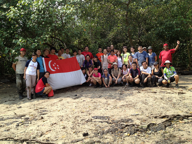 Volunteers during a cleanup event. Flickr photo by NUS Toddycats & ICCS (CC License)