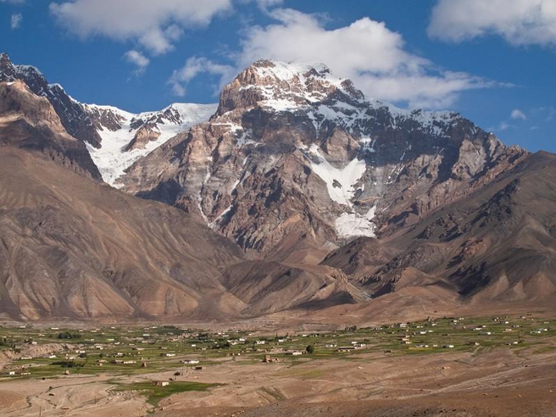 Roshorv, a village in Tajikistan