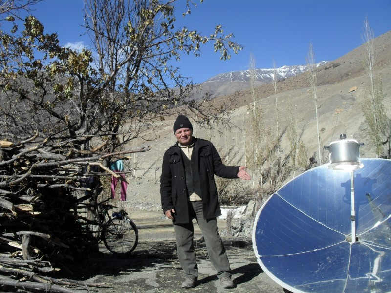 Solar cookers can save mountainous countries from deforestation and mudslides. (Photo by Little Earth)