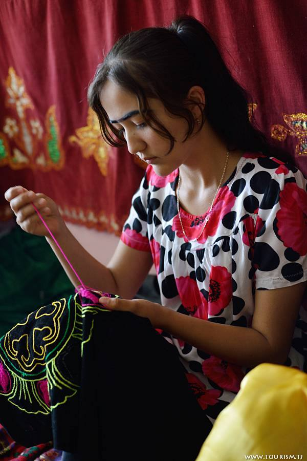 Tajikistan is known for colourful handicraft production. Photo by Bahriddin Isamutdinov