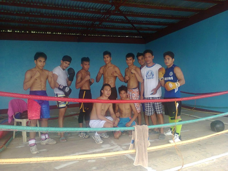 Building a boxing gym in a Philippine community through a fundraising effort in Japan