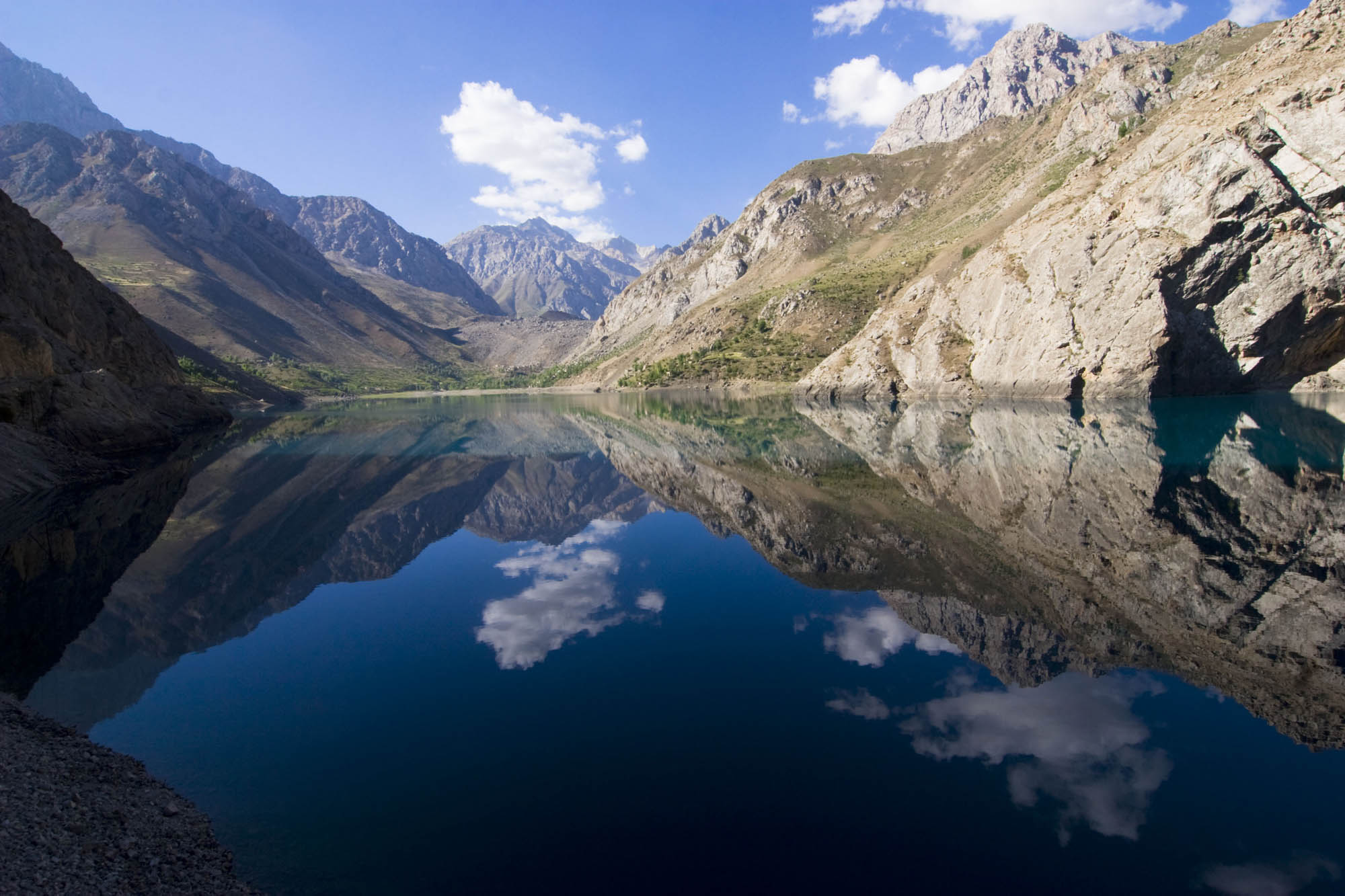 Haftkul lake in Zarafshan valley. Photographer: Nozim Qalandarov