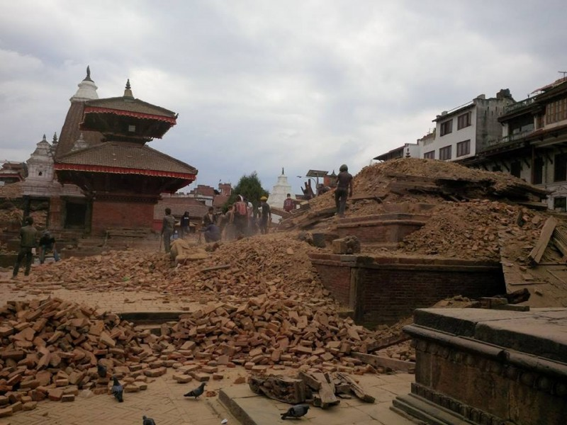 Rescuers trying to dig out people still suspected to be buried in the ruins of the Hari Shakher Temple in Patan. Photo taken by Kunda Dixit, editor of the Nepali Times. Use with permission.