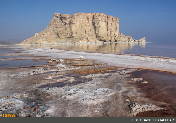 Iran Voices looks at recent efforts to save Lake Urmia, one of the world's largest salt-water lakes. Photo by Davood Ghardar for ISNA News. Photo published for reuse.