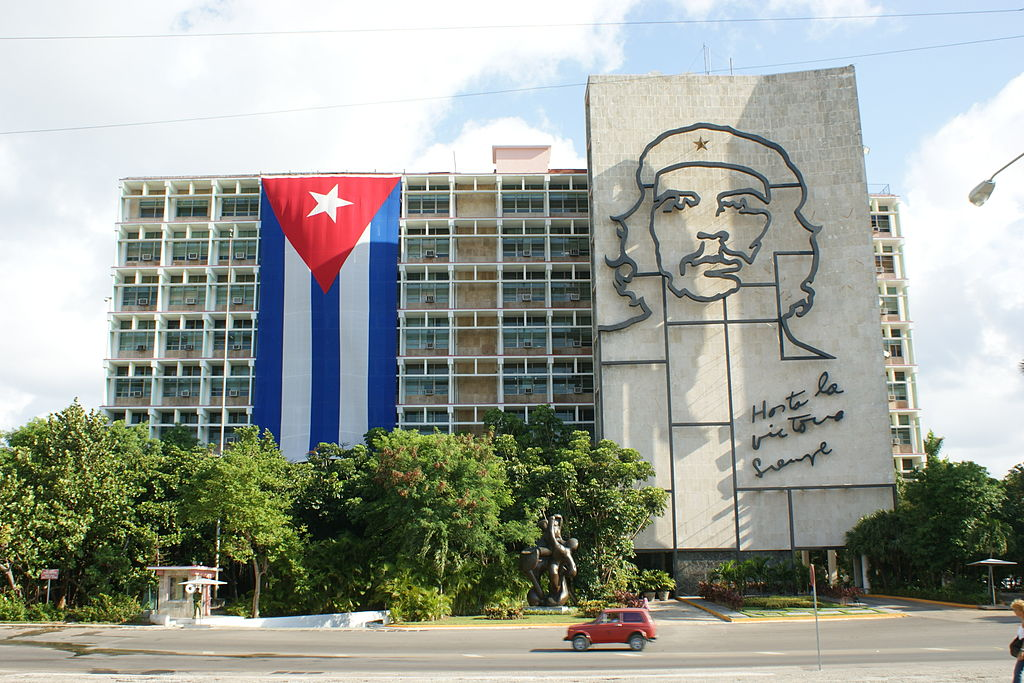 Plaza de la Revolución, Havana. Photo by Martin Abegglen, used under a CC License from Wikimedia Commons.