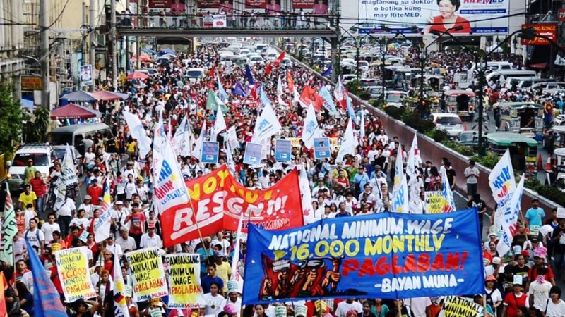 Filipino workers march in Manila to campaign for higher wages. Photo from Facebook page of Buhay Manggagawa