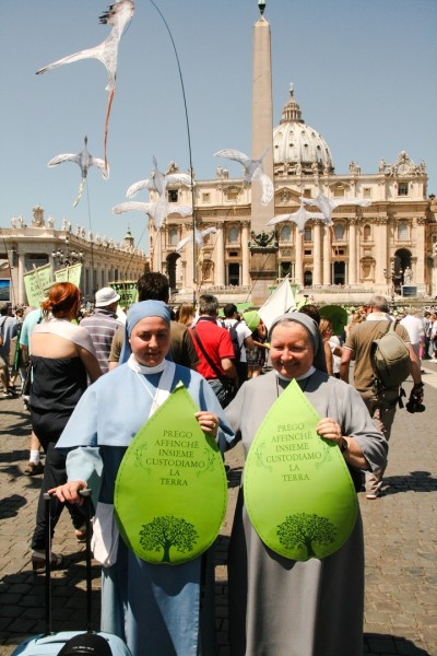 March enters St. Peter's Square in time for the Pope's weekly Angelus. Photo credit: Hoda Baraka/350.org