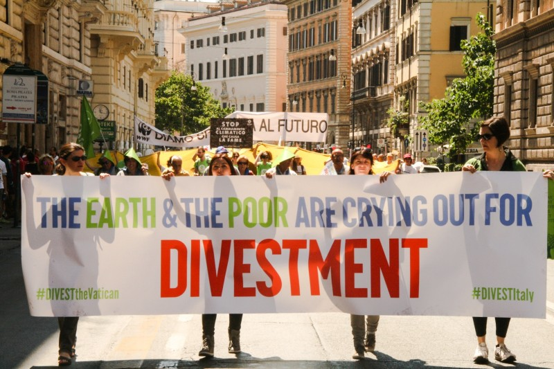 Pope Francis asked to make divestment part of his moral argument in the urgency to address climate change. Photo credit: Hoda Baraka/350.org